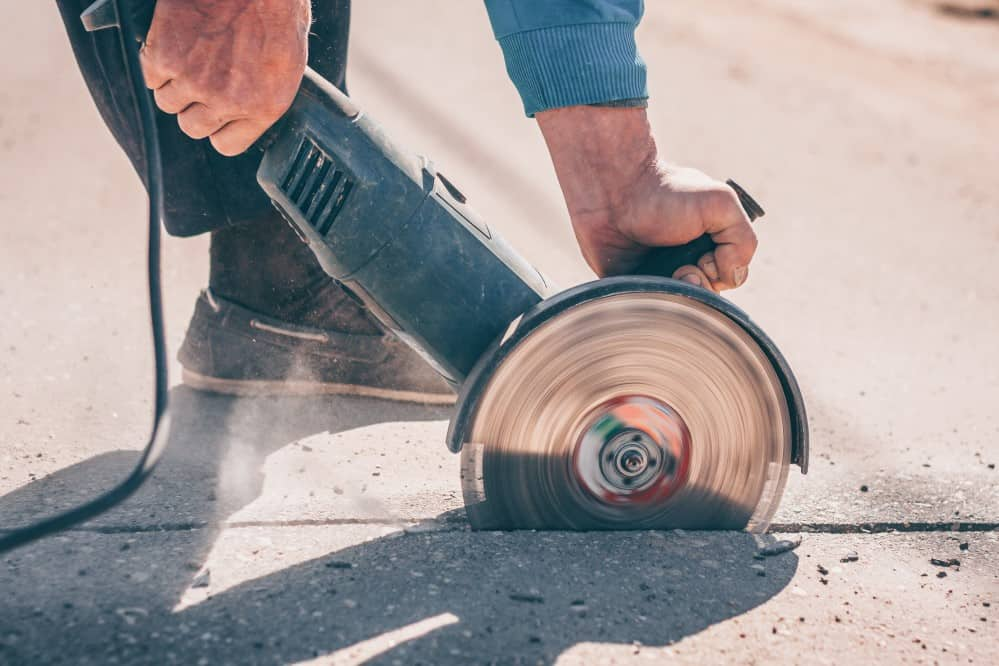 How to Cut Asphalt with an Angle Grinder - grinderpowertool